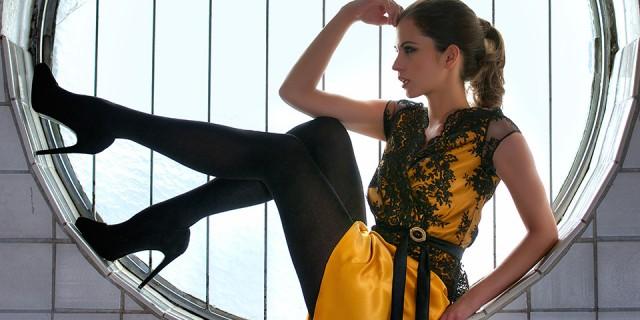 Kurzes Kleid gold schwarz Slider