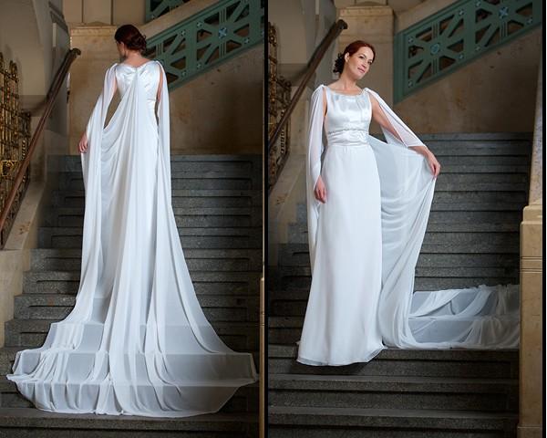 Langes Brautkleid mit Schleppe |